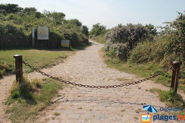 Sentier d'accès à la plage des dunes du Slack côté Ambleteuse
