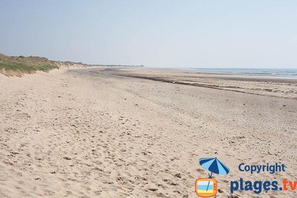 Photo de la plage des Dunes de St Georges de la Rivière avec vue sur Portbail