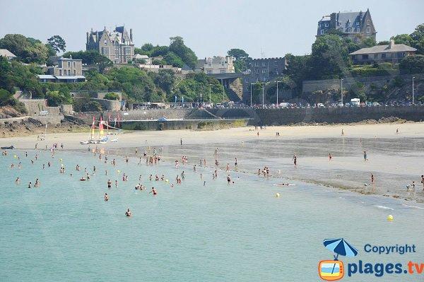 Piscine sur la plage de Dinard