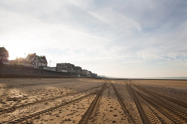 Cabourg sailing school beach