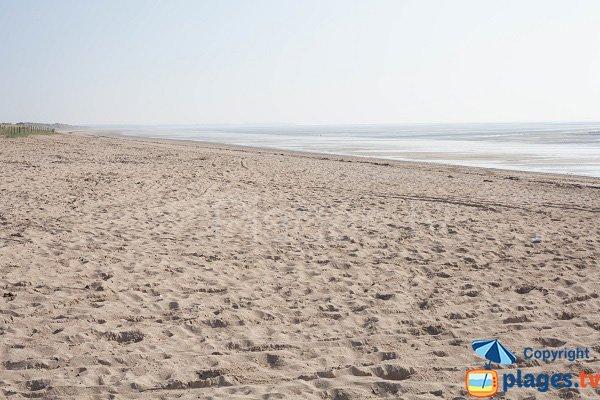 Photo de la plage de l'école de voile d'Hauteville sur Mer