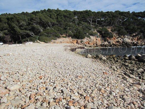 Plage des Engraviers sur le sentier du littoral à Bandol