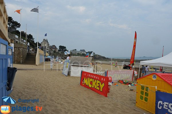 Club for children on the Enogat beach in Dinard