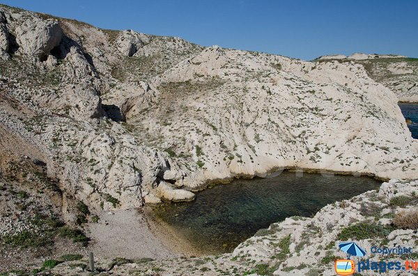 Confidential calanque in Frioul