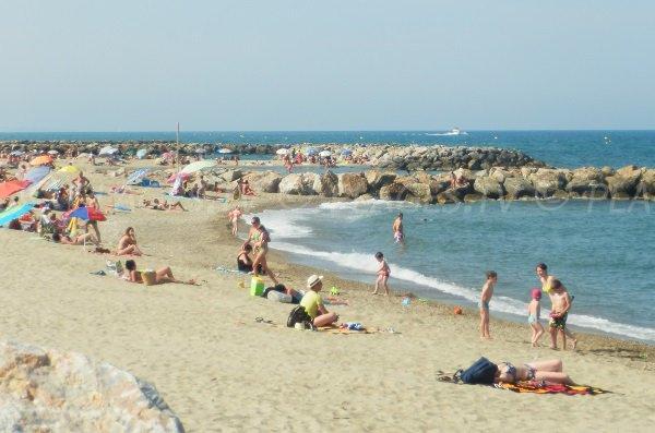 Photo de la plage à côté du port de Sainte Marie dans les Pyrénées Orientales