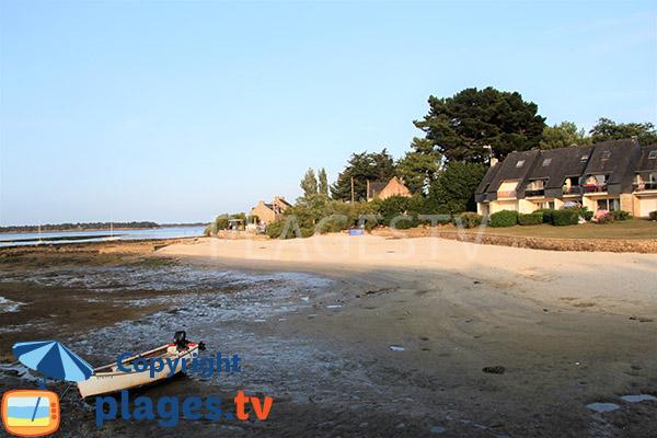 Photo de la plage d'Er Hroueg à Locmariaquer