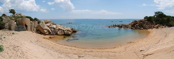 Petite plage à proximité de la pointe de Murtoli - Sartène