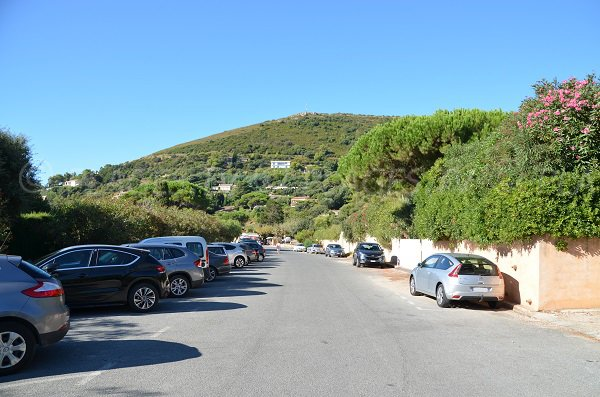 Free car park on the Escalet beach in Ramatuelle