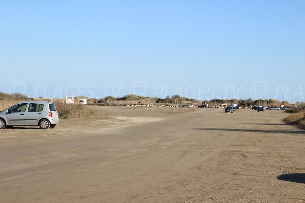 Parking of the Espiguette beach in Port Camargue - Grau du Roi