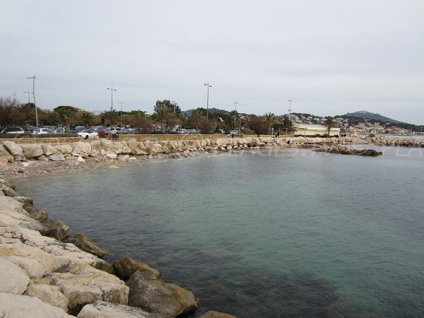 Plage de l'Esplanade à Sanary sur Mer dans le Var