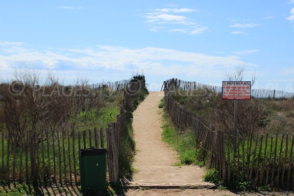 Access to east beach in Portiragnes
