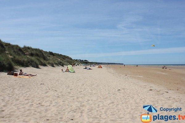Photo of wild beach in Saint Laurent sur Mer - normandy
