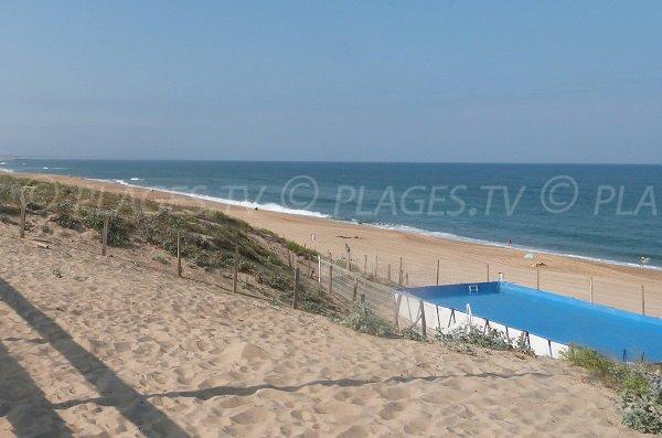 Piscine sur la plage des Estagnots à Seignosse
