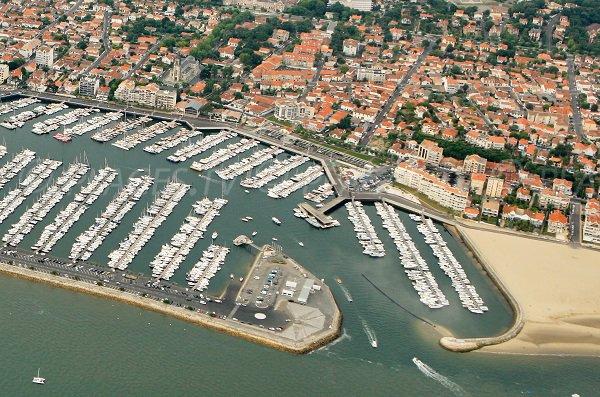 Port de plaisance et plage d'Arcachon