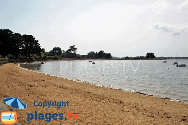 Douche et sanitaire sur la plage de la Falaise - Ile Arz