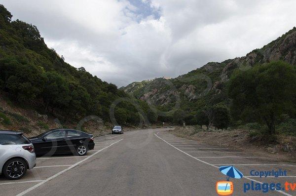 Parking de la plage de Ficajola