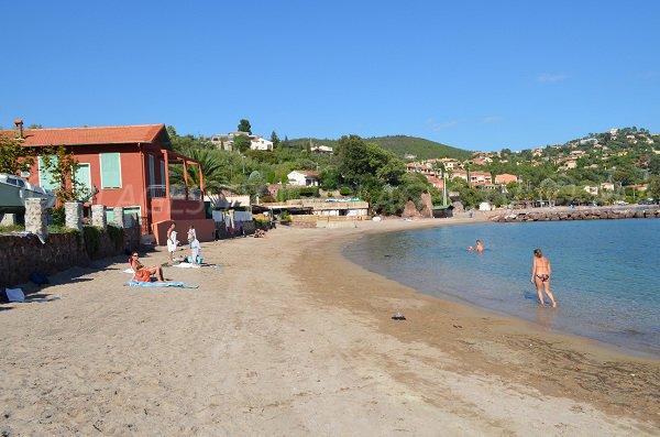 Spiaggia della Figueirette a Miramar - francia