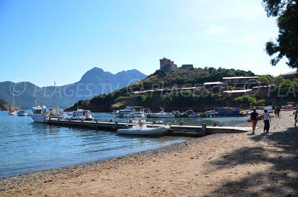 Fortin génois et plage de Girolata - Corse