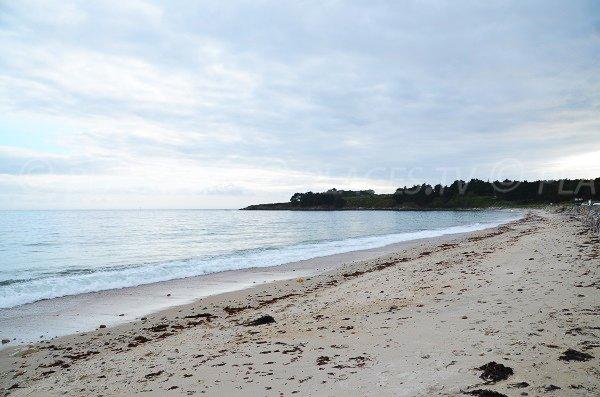Grande plage de sable à Arzon