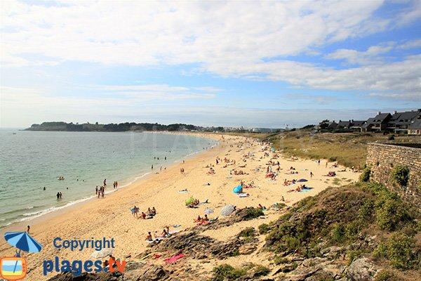 Photo de la plage de Fogeo à Arzon en été