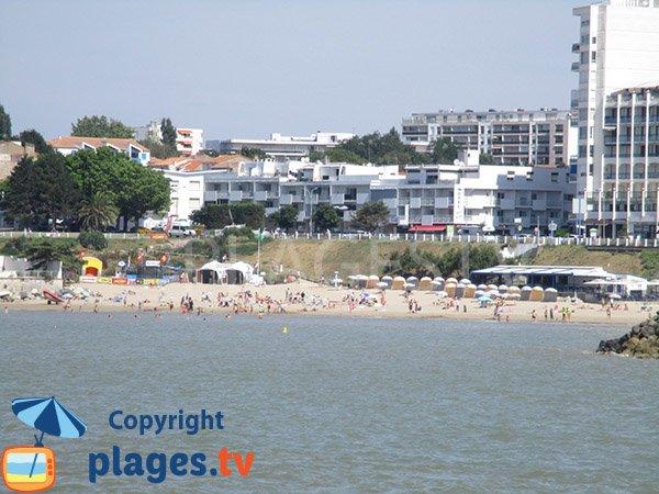 Photo de la plage de Foncillon en été - Royan