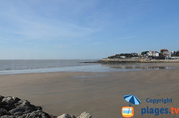 Sand beach of Foncillon beach in Royan
