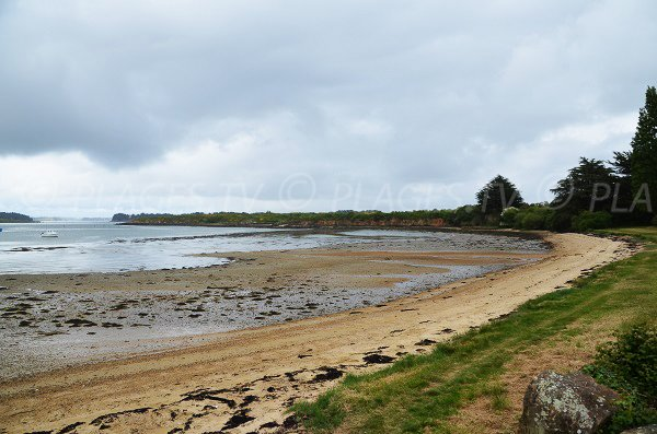 Photo de la plage des Fontaines à marée basse - Arzon