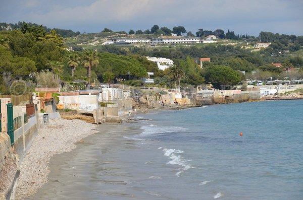 Plages de galets dans la baie de la Vierge à La Ciotat