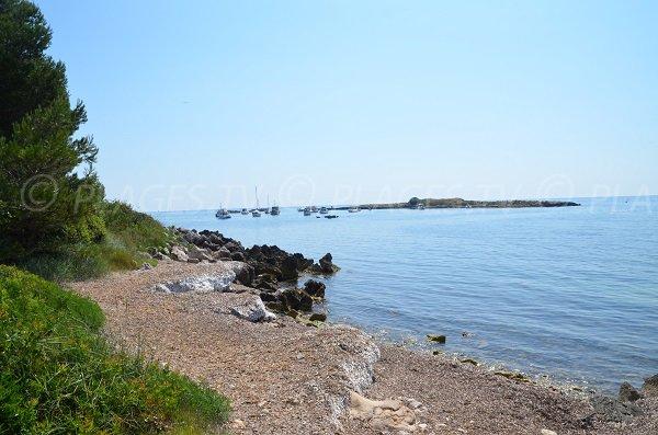 Vue sur l'île de St-Féréol depuis Saint-Honorat