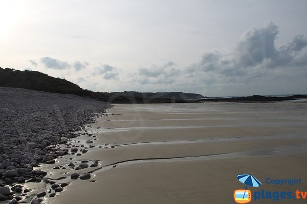 Sand beach in Erquy in low tide - Fosse d'Eyrand