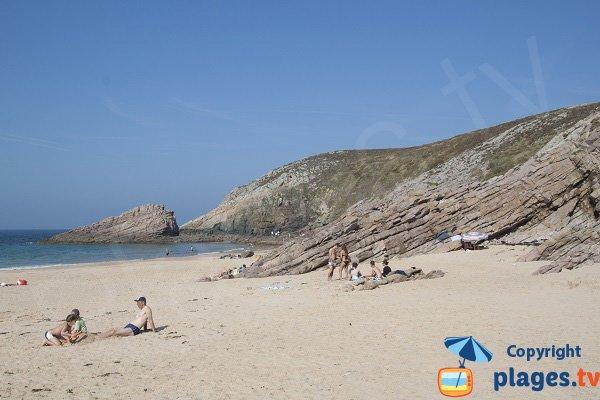 Rochers sur la plage de la Fosse à Plévenon