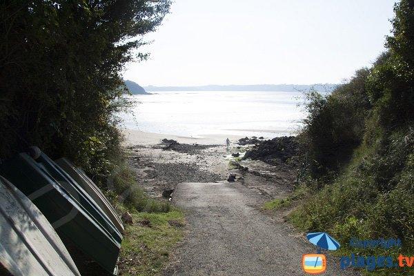 Cale de mise à l'eau sur la plage de la Fosse à St Cast