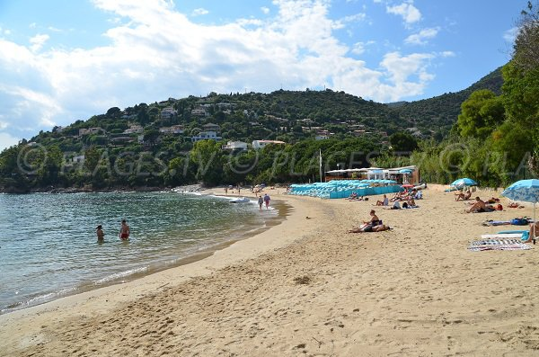 Private beach on the Fossette in the Lavandou