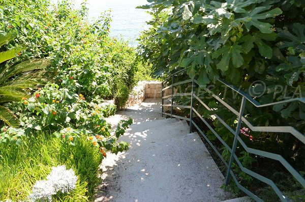 Escaliers de la plage des Fossettes - Cap Ferrat