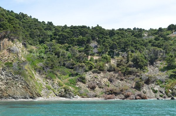 Plage à proximité du Cap Bénat - Fouirades