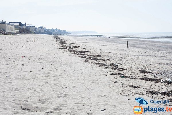 Fourneau beach in Granville and view on St Pair sur Mer