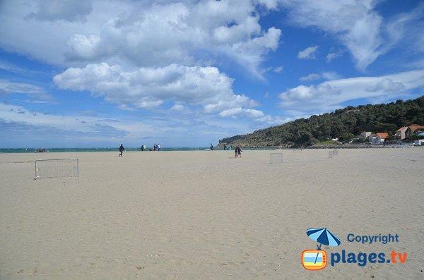 Photo de la plage du Franqui en direction des falaises de Leucate