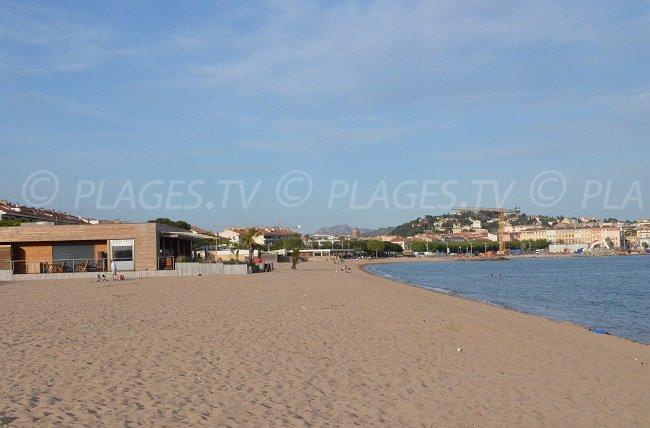 Fréjus beach with view on St Raphaël
