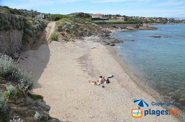 Petite plage de sable aux Issambres
