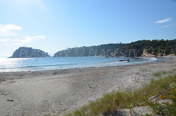 Spiaggia della Galère e forte di Brégançon