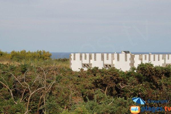 Fort au dessus de la crique des Galères - Locmaria