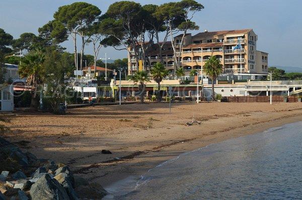 Saint-Aygulf petite plage de sable