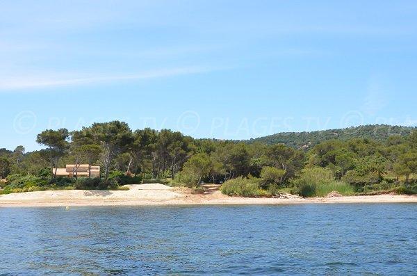 Parte principale della spiaggia del Gaou a Bormes les Mimosas