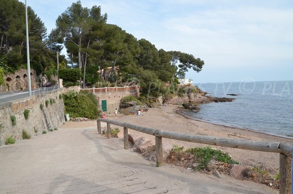 L'accesso alla spiaggia della Garde Vieille di Saint Raphaël