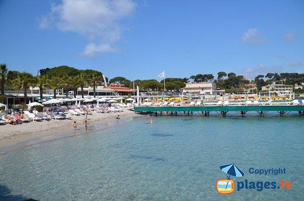 Foto della spiaggia garoupe in estate - Antibes - Francia