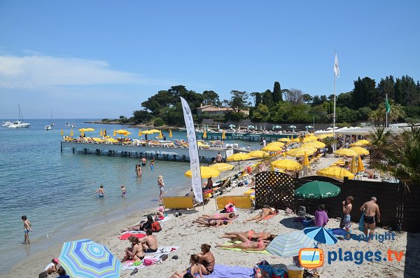 Photo de la plage de sable du Cap d'Antibes