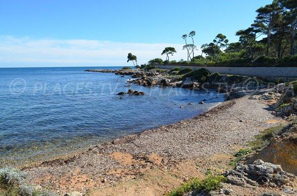Plage sur le sentier du littoral du Cap d'Antibes