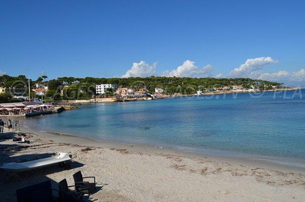 La baie de la Garoupe sur le Cap d'Antibes