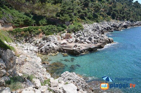 South beach of Gavinette point in Cap Ferrat