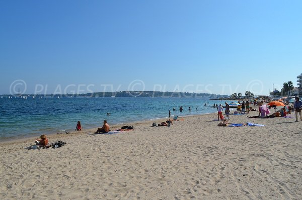 Gazagnaire beach with view on the Lerins islands in Cannes